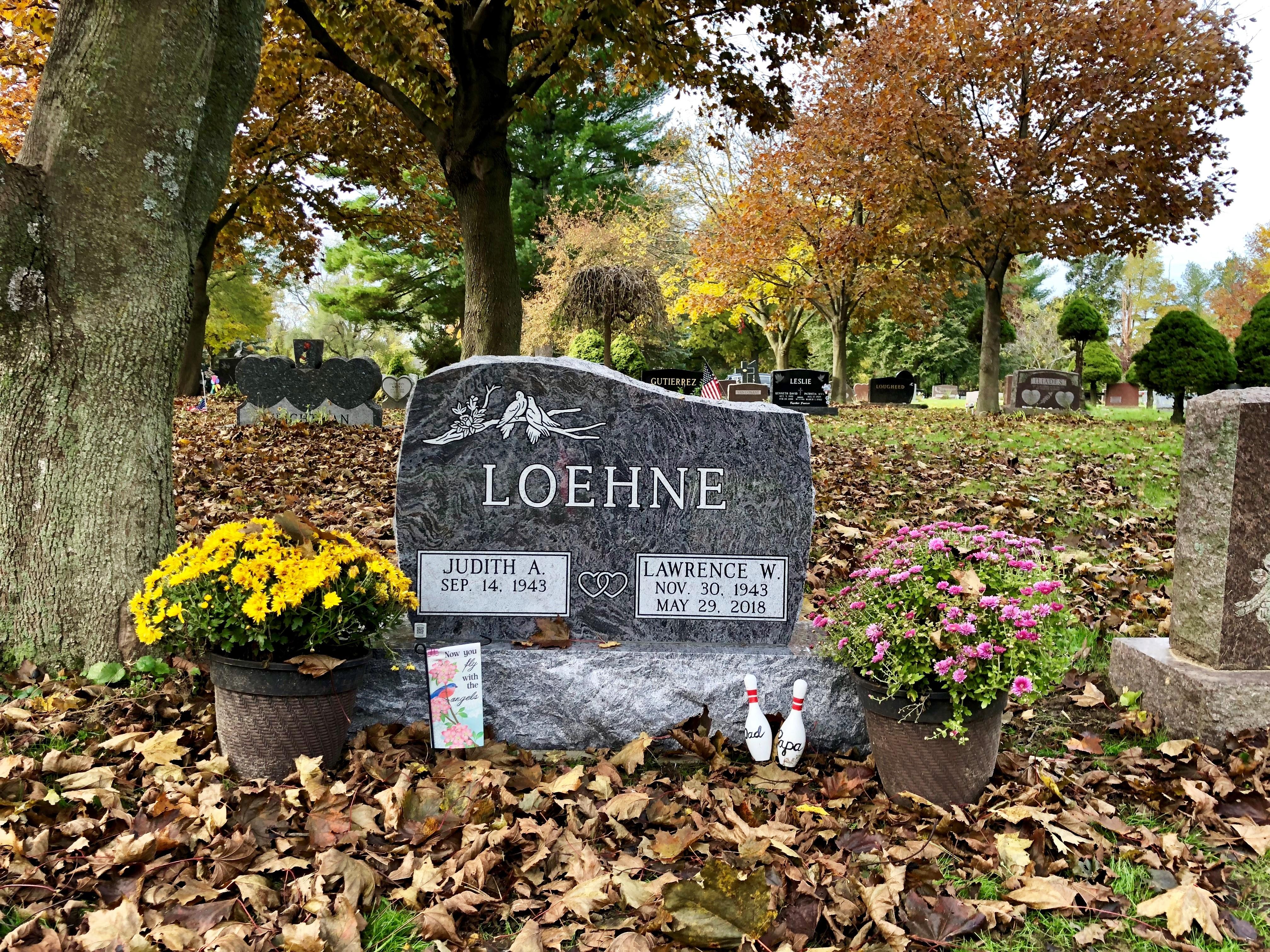 Loehne Monument