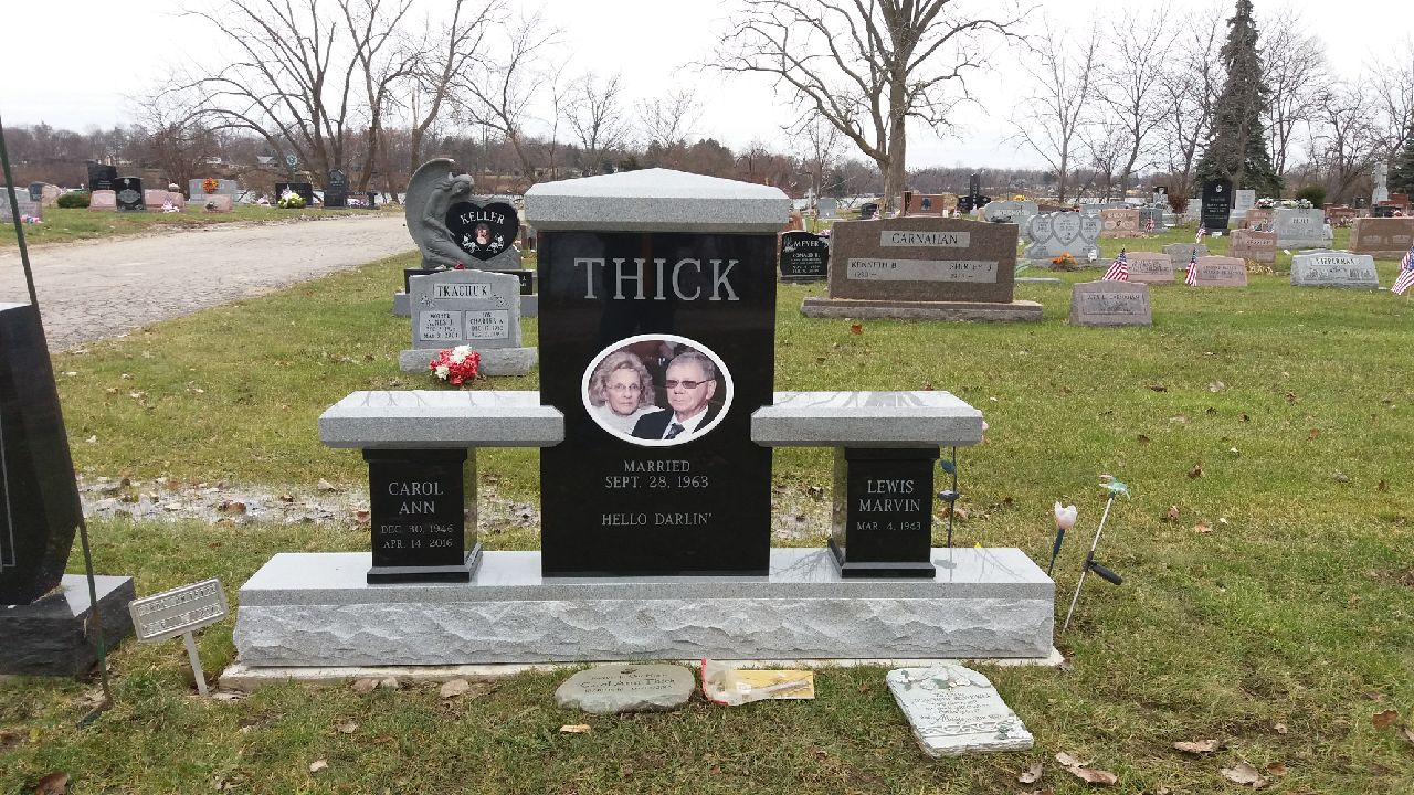 Thick Monument Bench